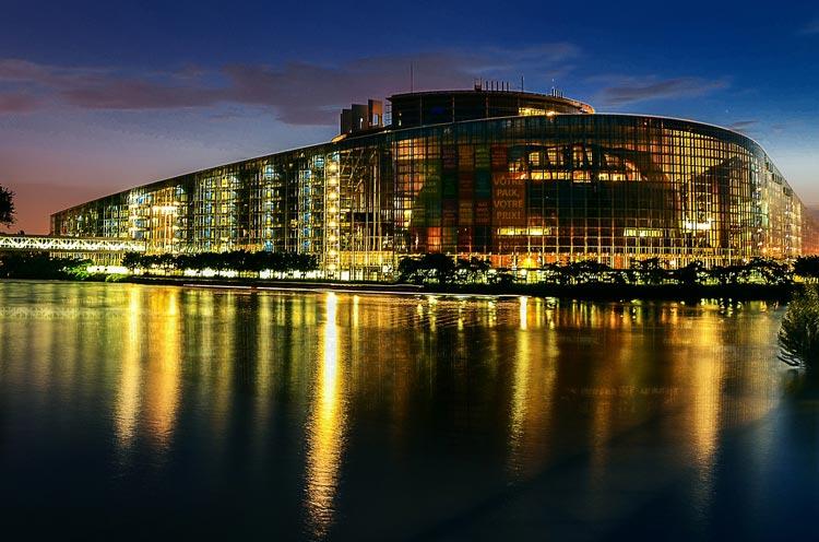مبنى الجلسات العامة للبرلمان الأوروبي بمدينة ستراسبورغ