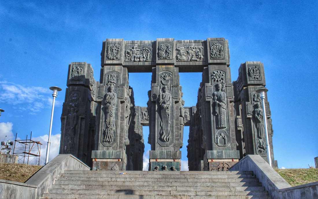 نصب ستونهنج تبليسي