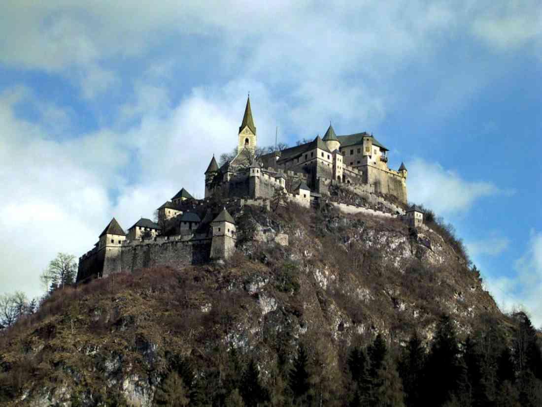 مدينة كلاغنفورت النمساوية Hochosterwitz-Castle-1024x770-1100