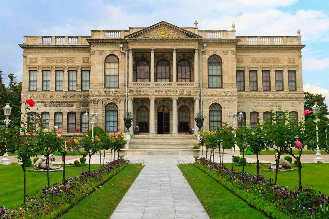 قصر دولمة بهجة اسطنبول
