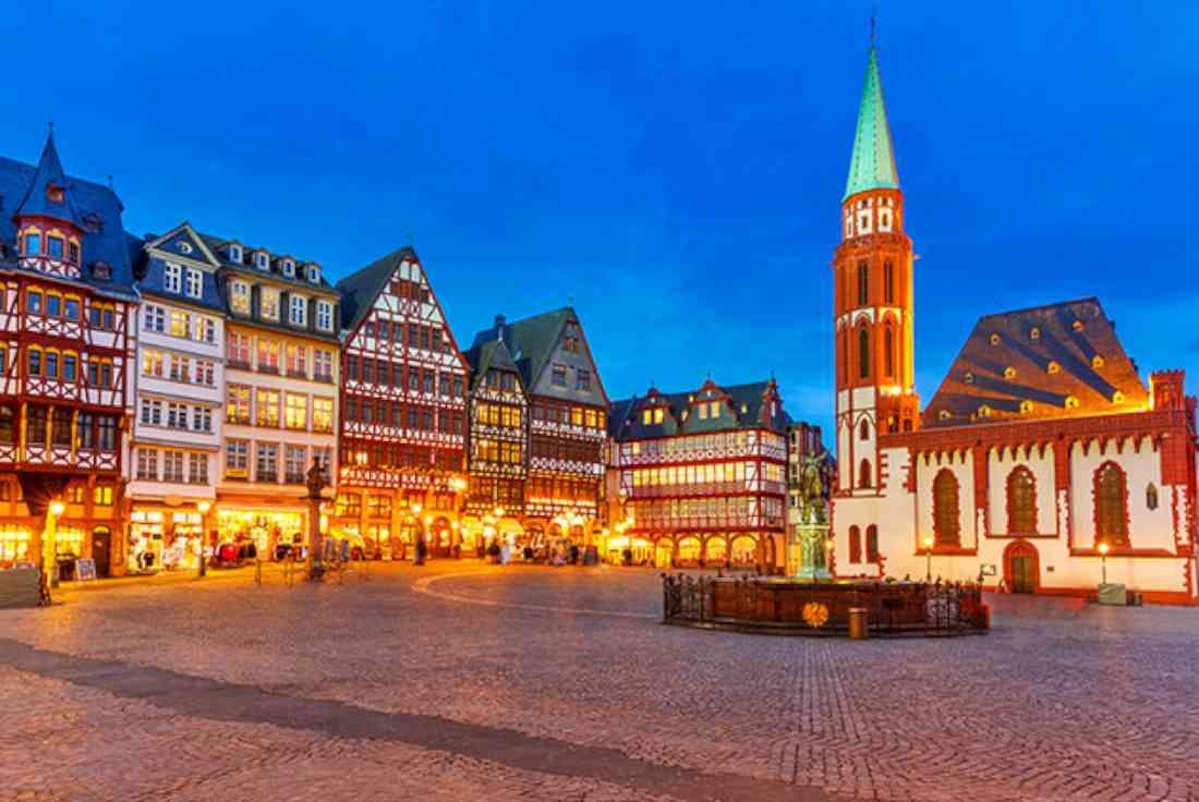 ميدان روميربيرغ - مركز المدينة القديمة في فرانكفورت