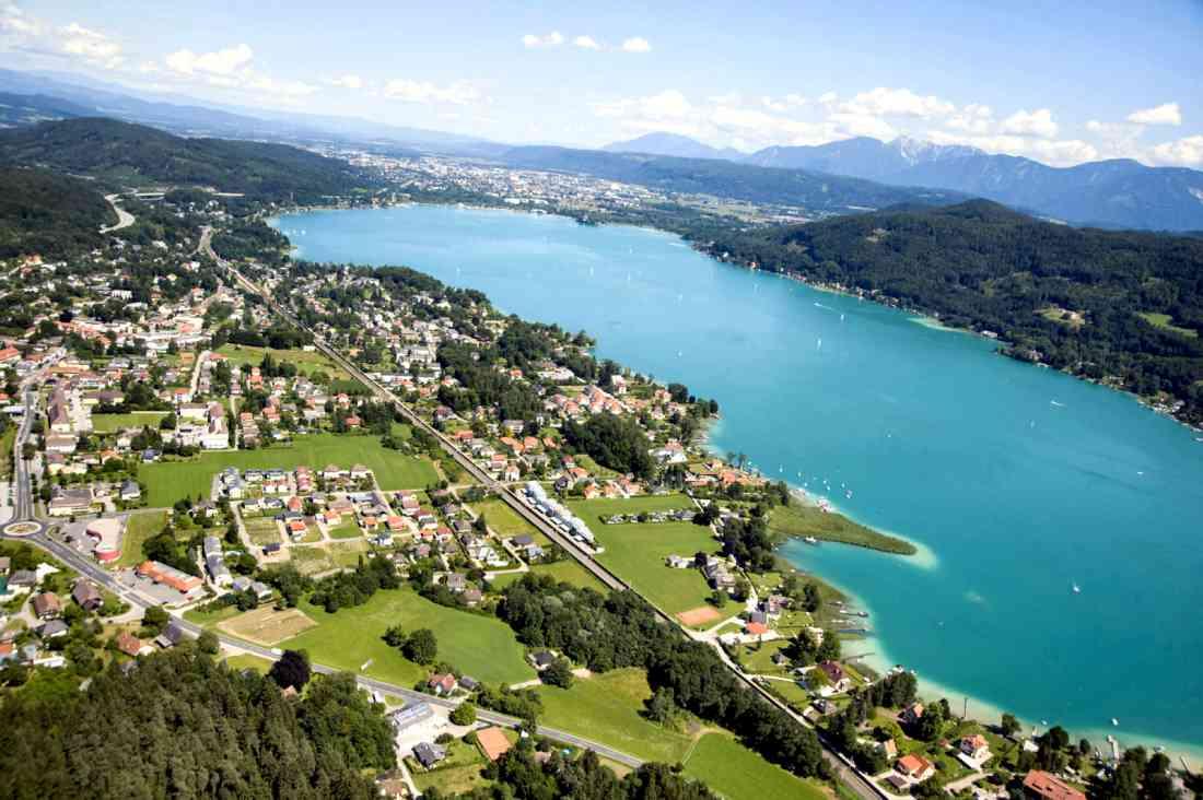 مدينة كلاغنفورت النمساوية Lake-woerthersee-klagenfurt-austria-1100