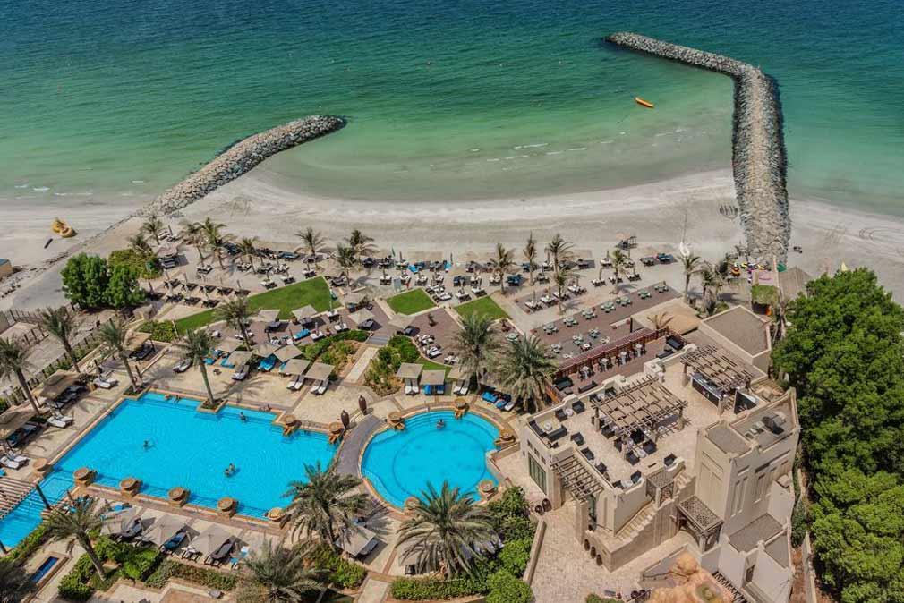 شاطئ مدينة عجمان في الإمارات.