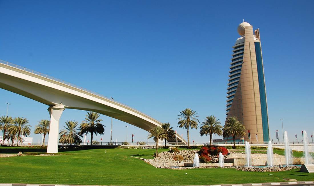 برج اتصالات (الجديد) في عجمان.