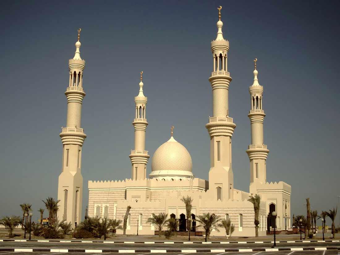 مسجد الشيخ زايد بعجمان.