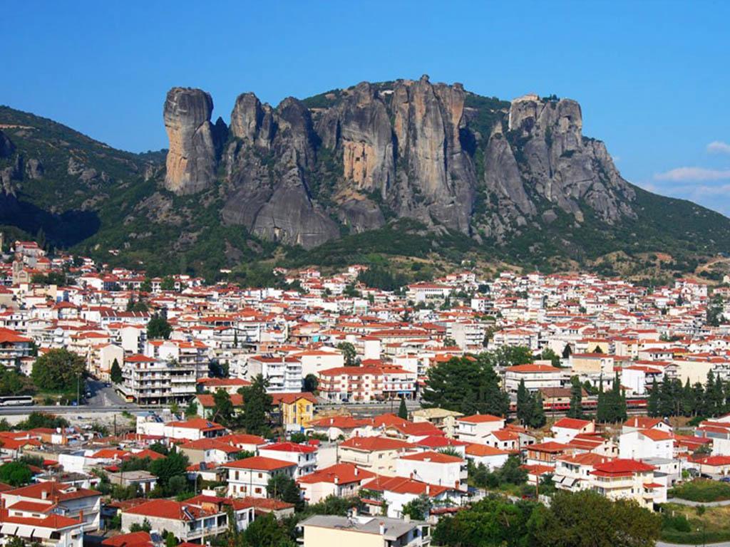 مجمع الأديرة في مدينة ميتورا اليونانية.