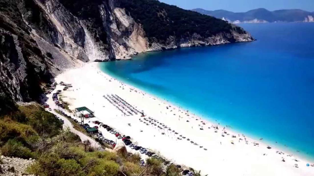 شاطئ ميرتوس في جزيرة كيفالونيا.