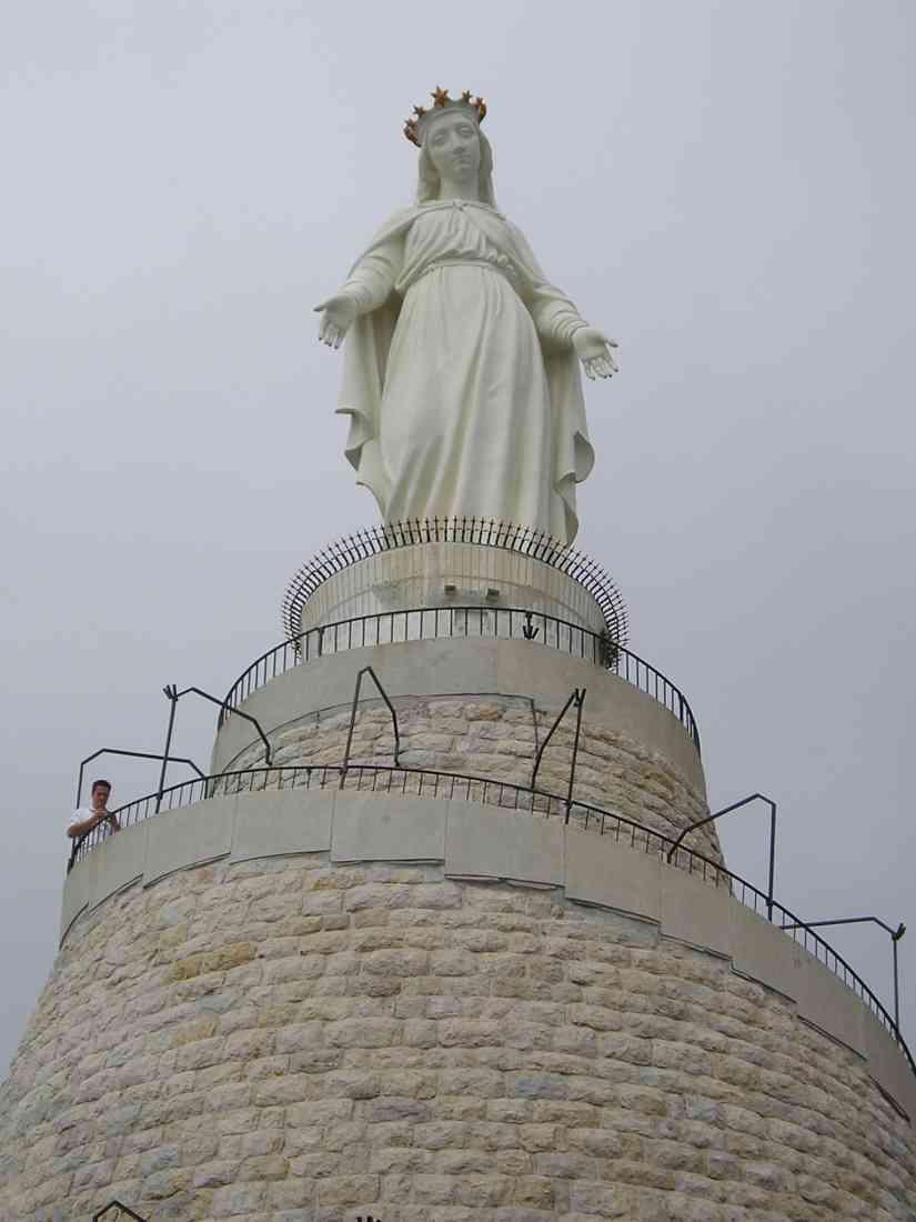مزار سيدة لبنان أحد اهم المعالم السياحية في مدينة جونيه