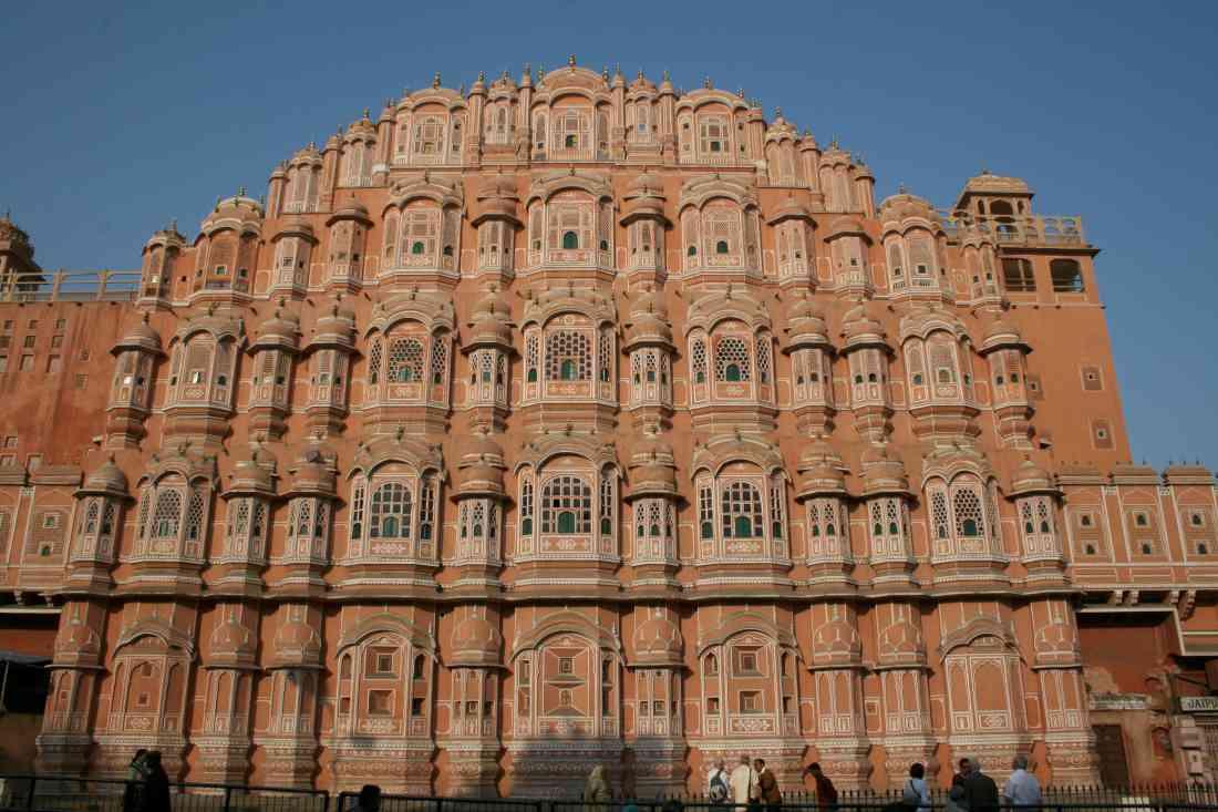 """""""جايبور"""" المدينة الوردية عاصمة إقليم راجستان الخلاب ومقر أجمل قصور وحدائق الهند وجزء من المثلث الذهبي الهندي"""