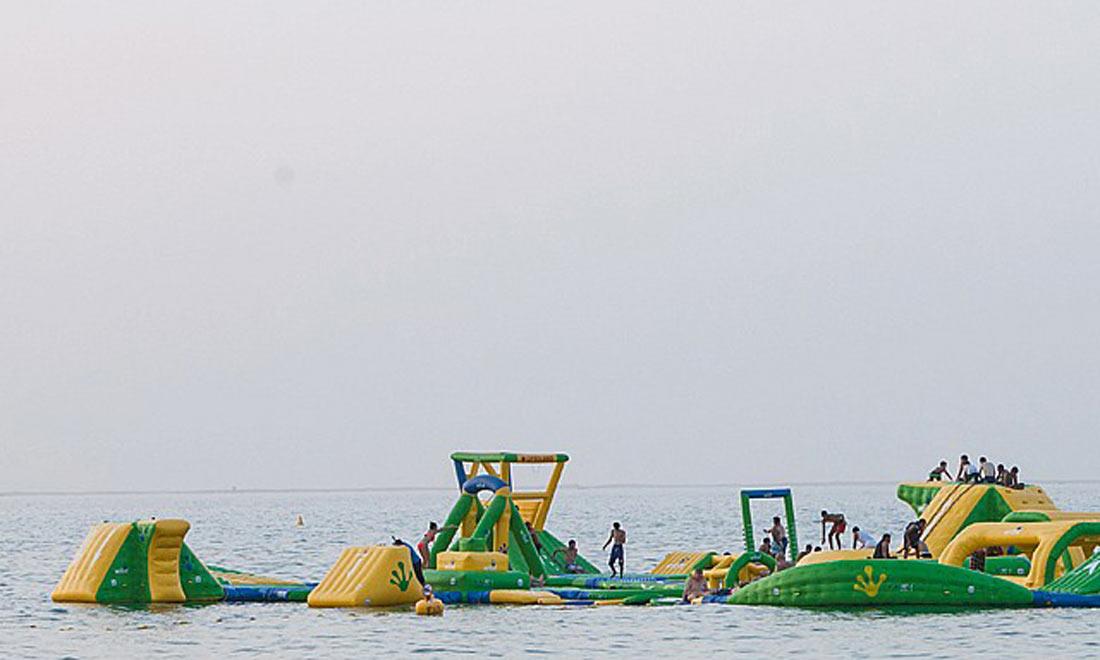 كايت بيتش دبي : شاطئ الطائرات الورقية والمتعة والخيال