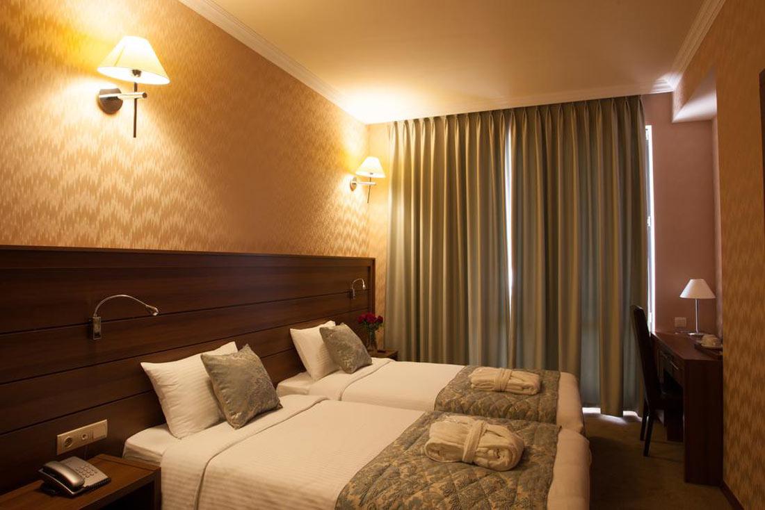 فندق أستوريا تبليسي