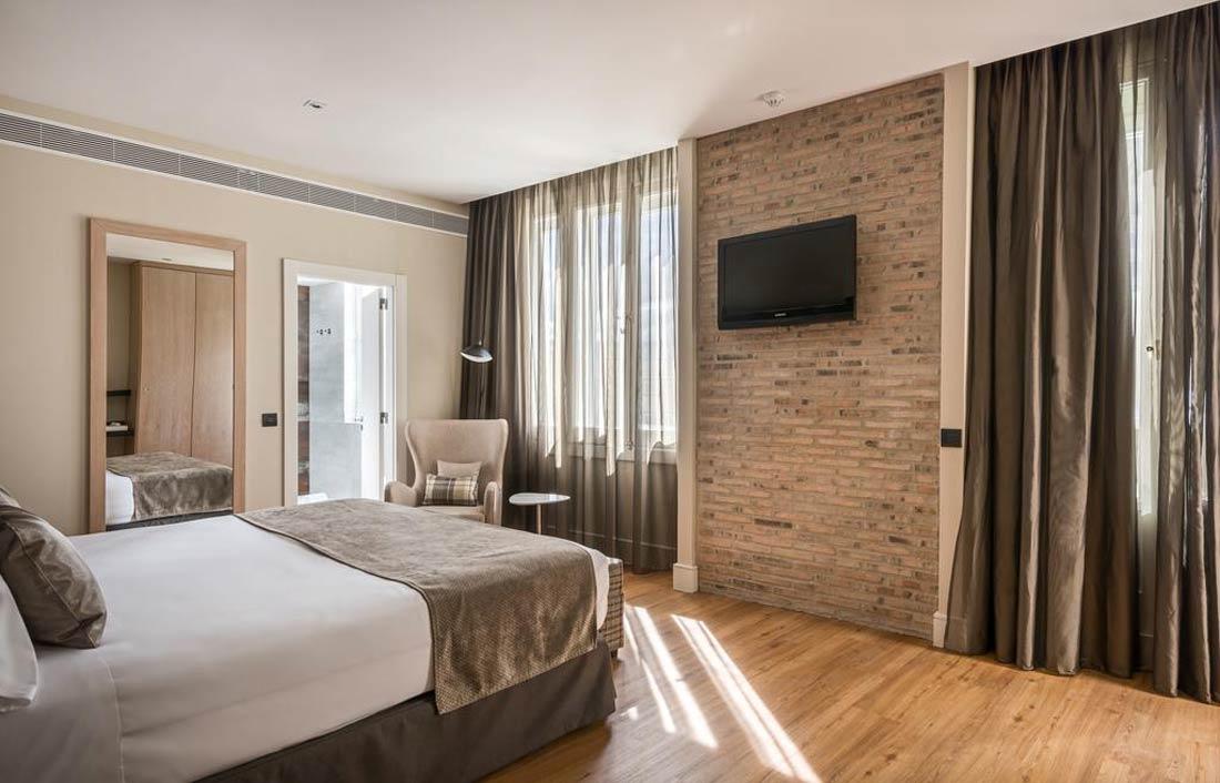 فندق كاتالونيا غران فيا بمدريد