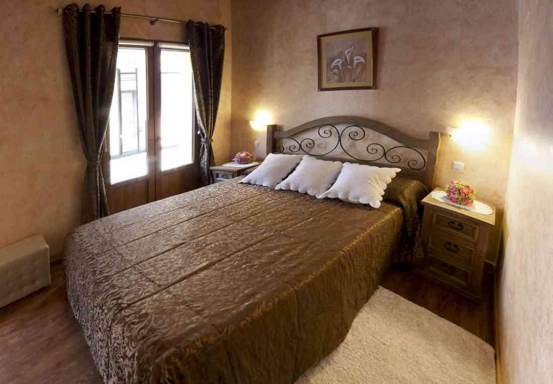 فندق Hostal Segovia