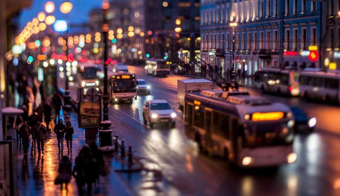 مشهد لأحد شوارع مدينة بطرسبرغ