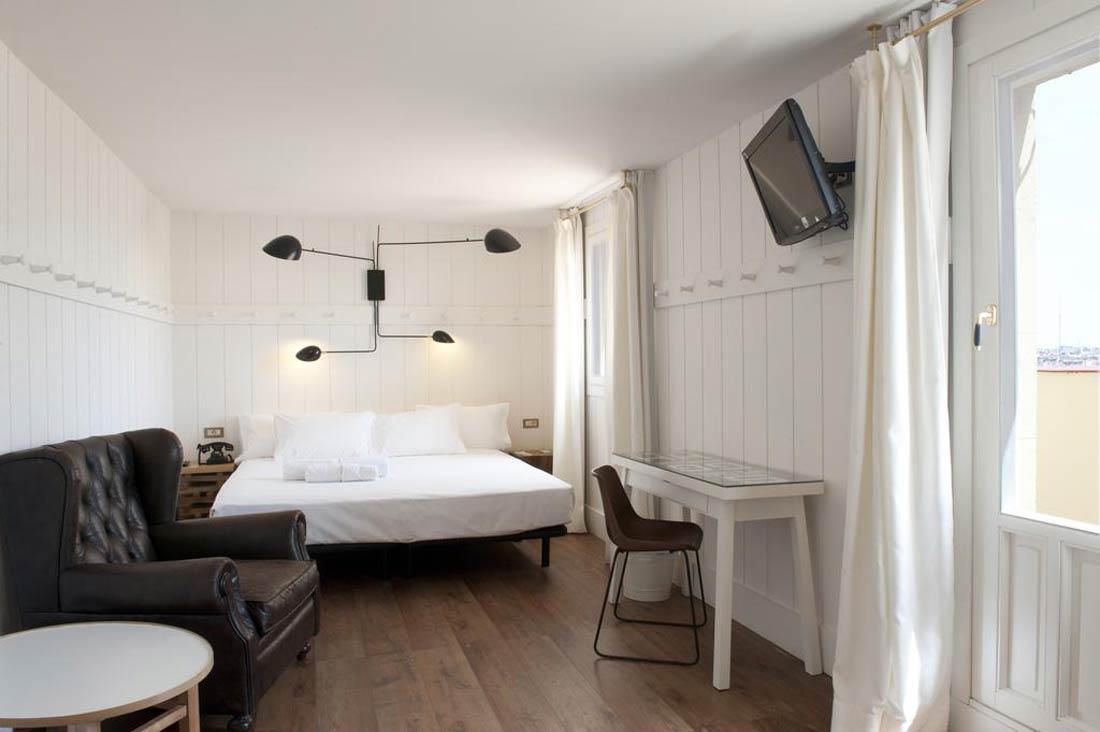 فندق براكتيك متروبول بمدينة مدريد