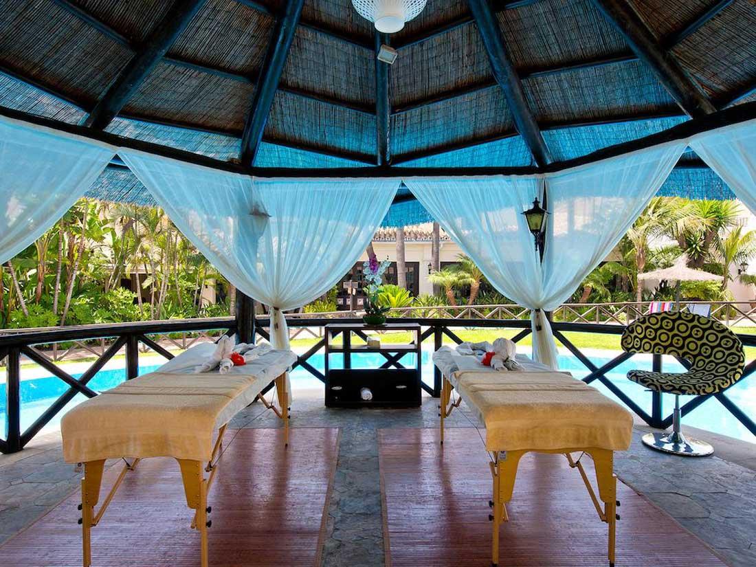 فندق بلوباي بانوس