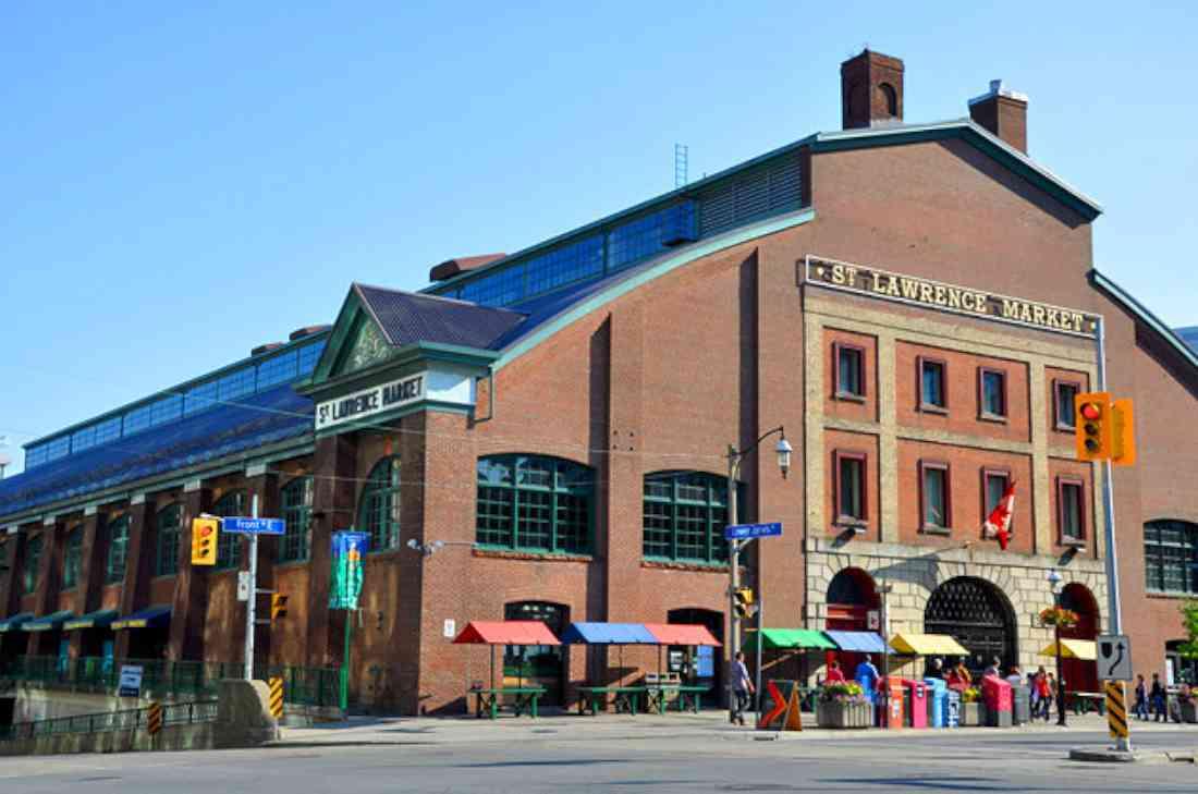 أماكن السياحة في تورنتو سوق سانت لورانس