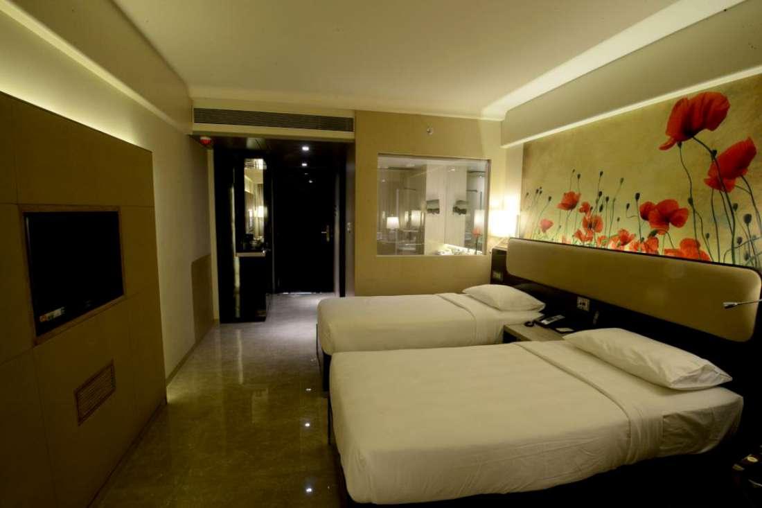 فندق ساي بلاس غراند، مالاد