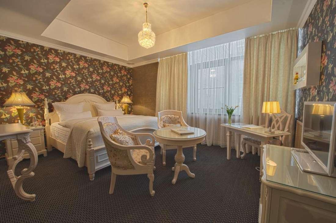 Residentsiya (Izvolte) Hotel