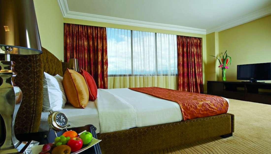 فندق إمبيانا ايبوه
