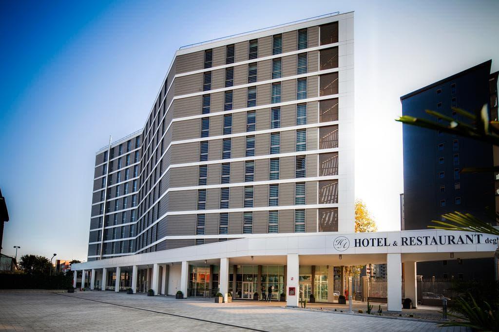 فندق ديجلي أركيمبولدي