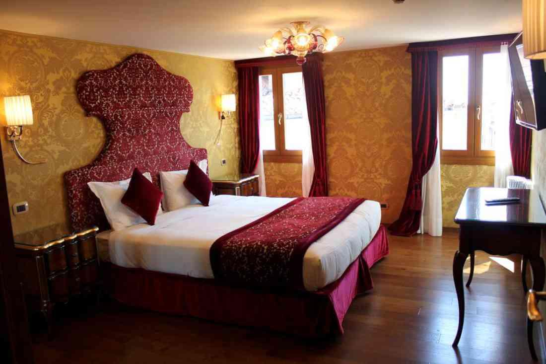 فندق كازانوفا البندقية