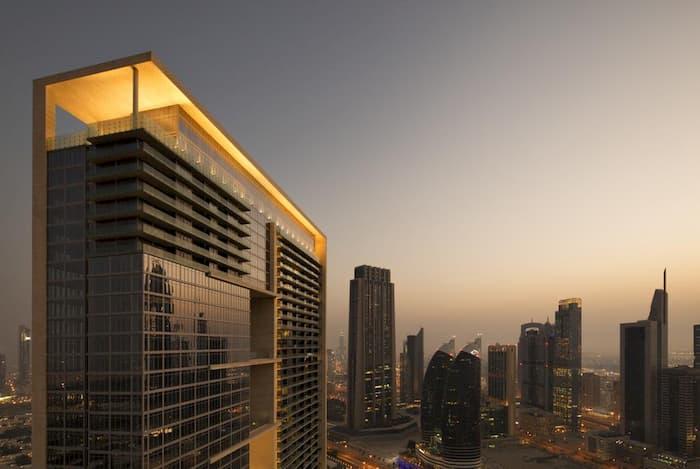 والدروف استوريا دبي – 5 نجوم
